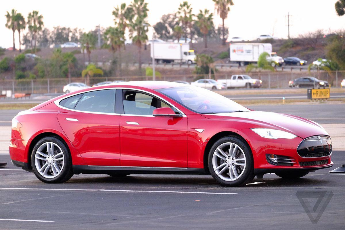 #24. Tesla Model S 60 / 60D