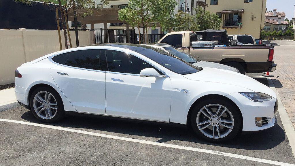 Tesla Model S 70/70D