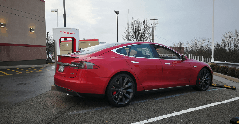 the Tesla Model S P85+ experience